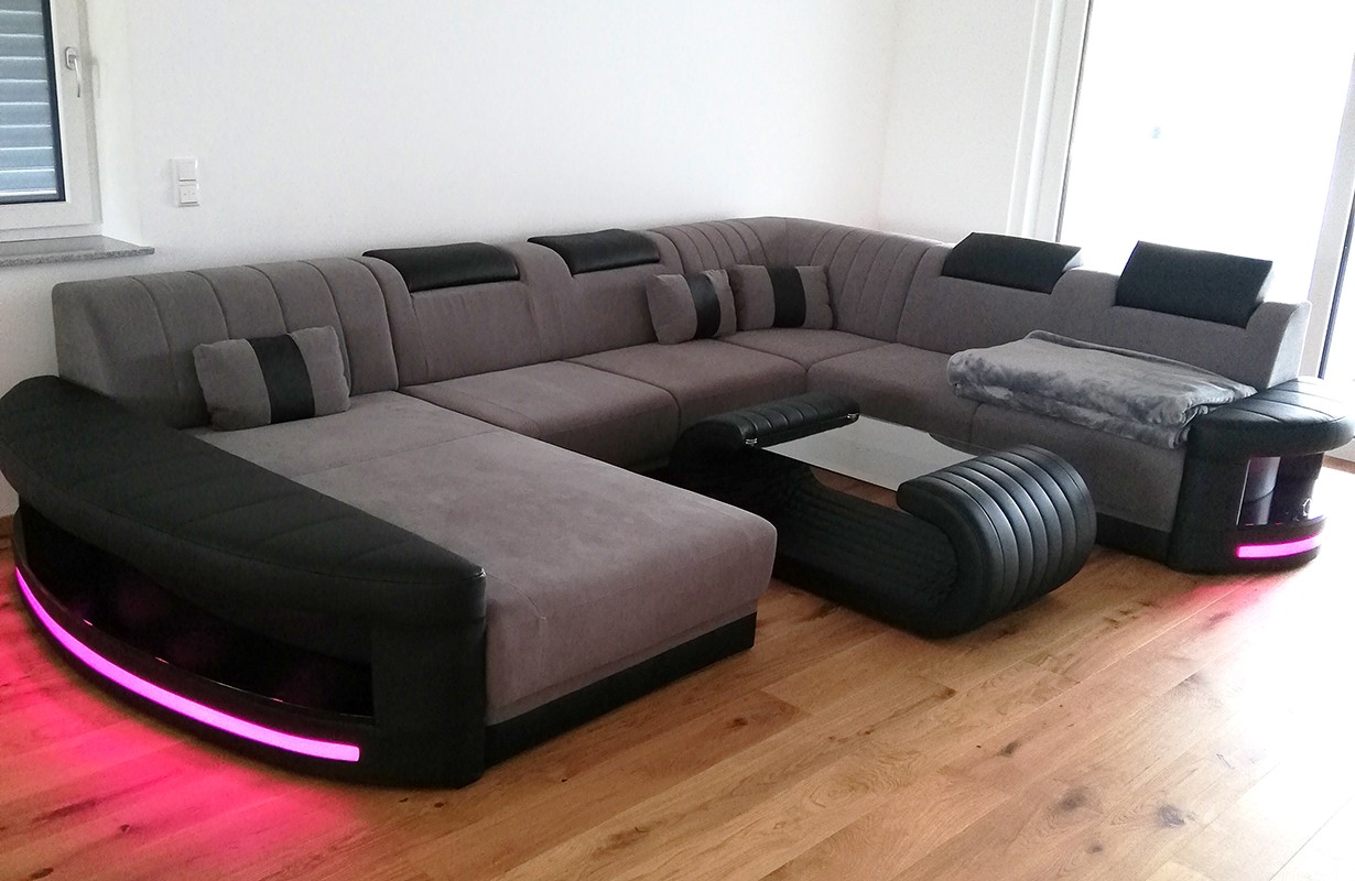 Dizájn szövet kanapé LED világítással és USB csatlakozóval